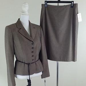 TAHARI Arthur S. Levine Skirt/Suit New.
